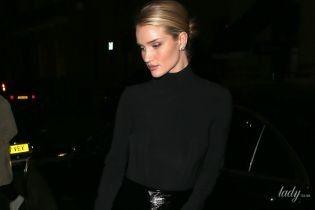 В лаковой юбке и на шпильках: Рози Хантингтон-Уайтли с возлюбленным сходили в ресторан