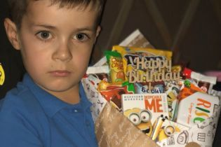 Життя 6-річного Дмитрика під загрозою через лейкоз