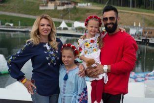 Походы в горы и пикники: Kishe рассказал, как отдохнул с семьей в Карпатах