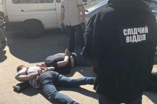 В Одесі поліцейські підкидали громадянам наркотики і вимагали хабар в якості відкупу