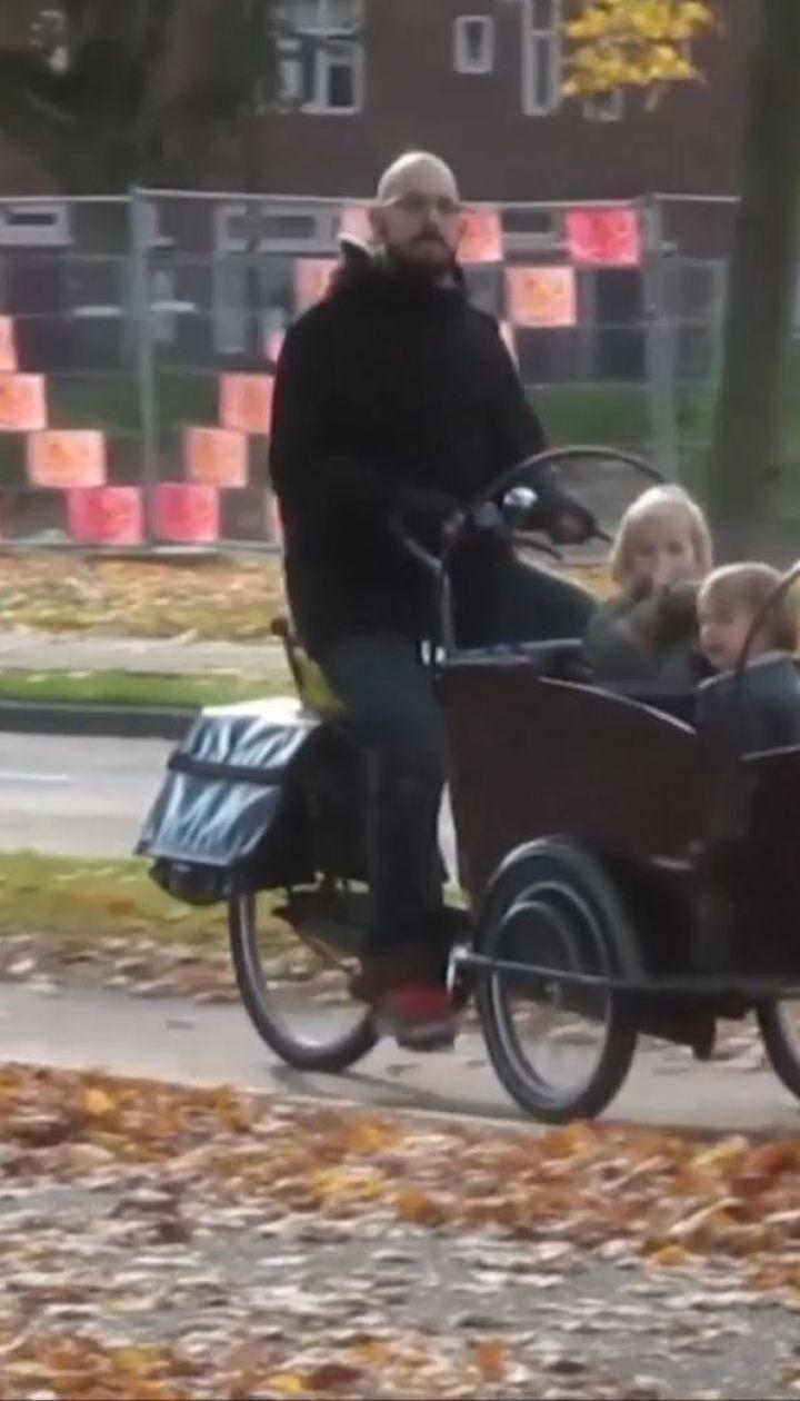 На залізничному переїзді в Нідерландах через потяг загинули четверо малюків