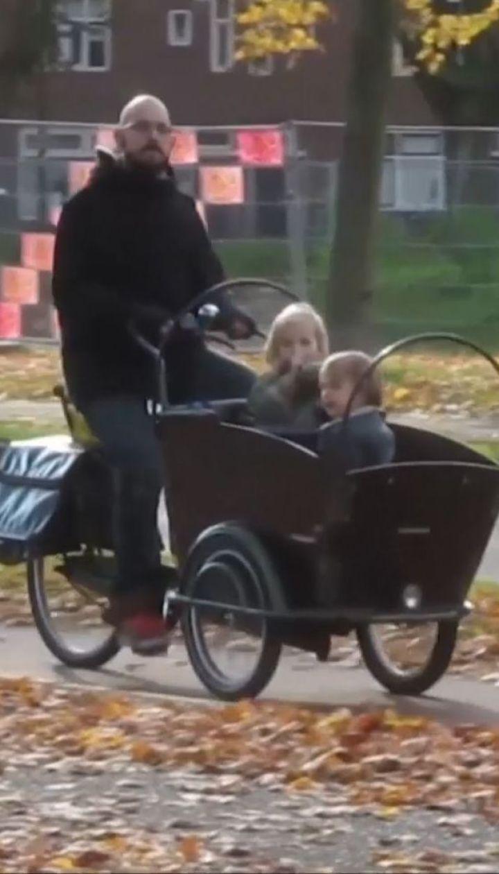 На железнодорожном переезде в Нидерландах из-за поезда погибли четверо детей
