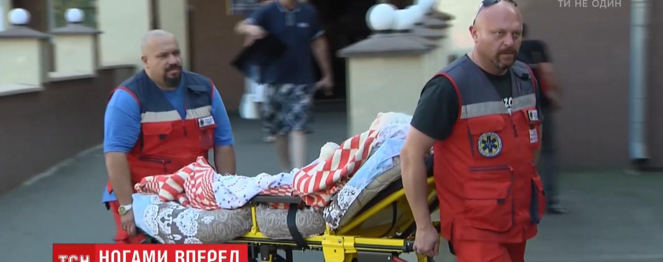Супрун советует транспортировать пациентов вперед ногами. Суеверные украинцы отрицают, поскольку так возят покойников