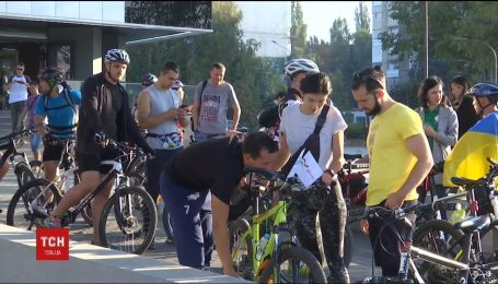 Чернівецькі велосипедисти вирушили у пробіг містами України та Молдови