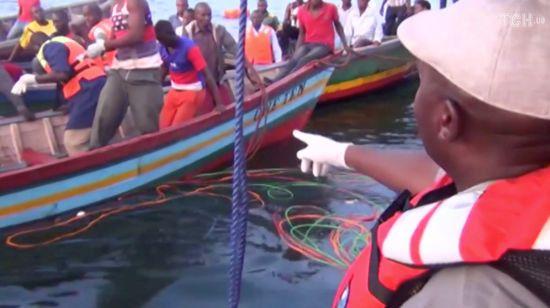 Трагедія у Танзанії: кількість жертв аварії порому на озері Вікторія може сягнути 200 осіб