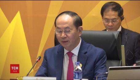 На 62-му році життя помер глава В'єтнаму Чан Дай Куанг