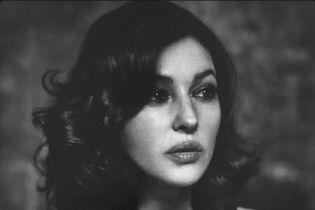 Загадочная Моника Беллуччи снялась в чувственной черно-белой фотосессии