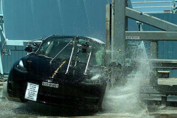 Tesla Model 3, краш-тест