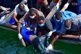У Танзанії після затоплення порому з води витягли вже 136 тіл. Кількість загиблих може суттєво зрости