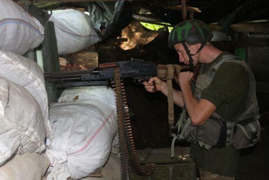 Під час бойового зіткнення на Донбасі поранені двоє українських військових