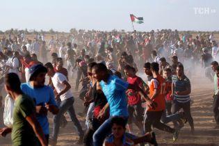 В результате столкновений на границе Израиля с Сектором Газа были ранены 130 палестинцев