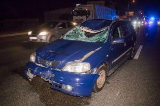 В Києві автомобіль на великій швидкості збив на смерть людину