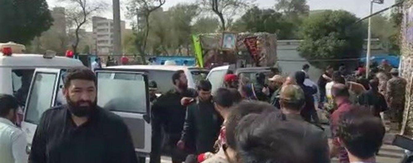 Аятолла Хаменеї пов'язав теракт на іранському параді з США