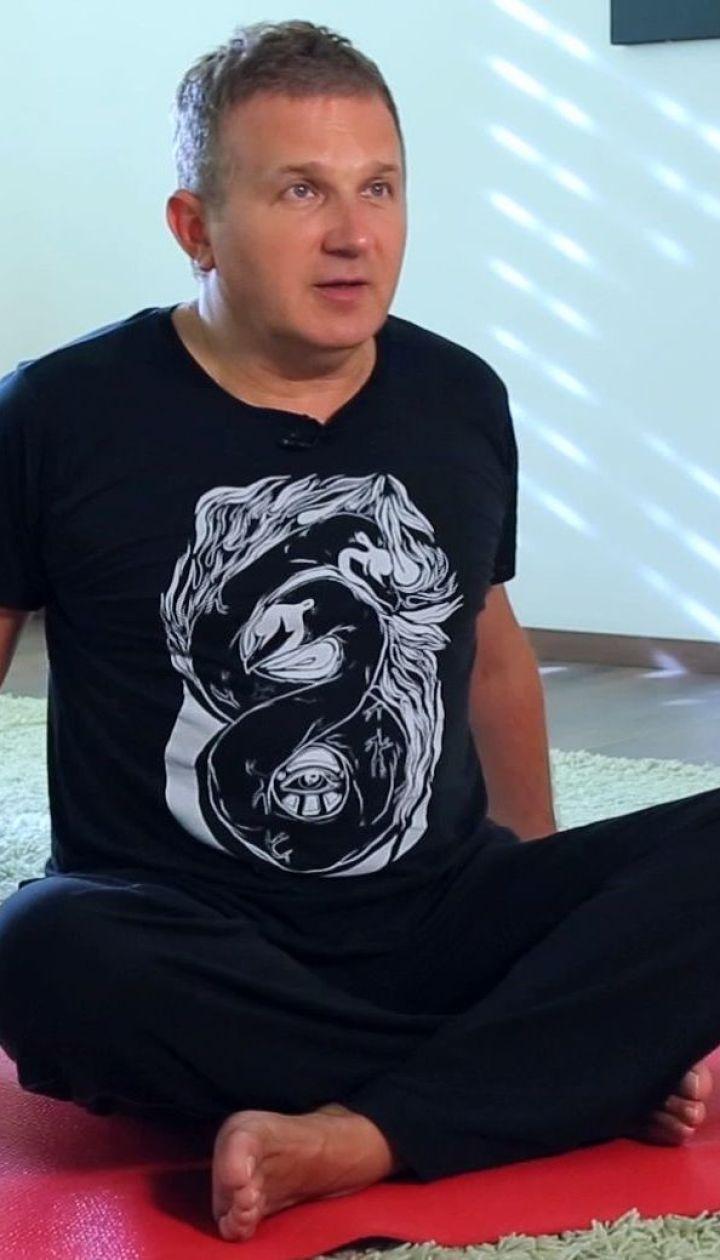 Юрій Горбунов в позі верблюда, та вакуум від моделі, що хворіла на анорексію
