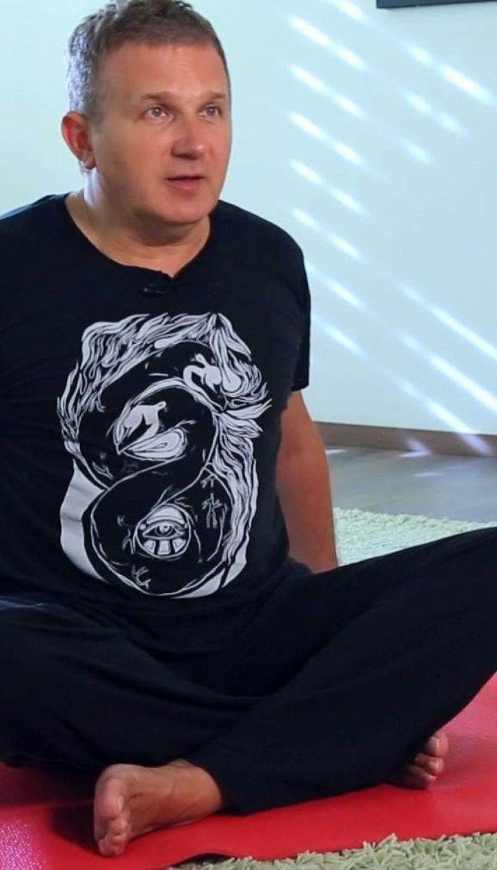 Юрий Горбунов в позе верблюда, и вакуум от модели, которая болела анорексией