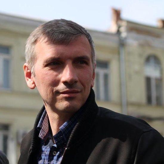 Замах на активіста в Одесі: пораненому краще, поліція виправдовується