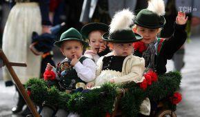 У Мюнхені відбувся традиційний Октоберфест-парад. Найкращі фото