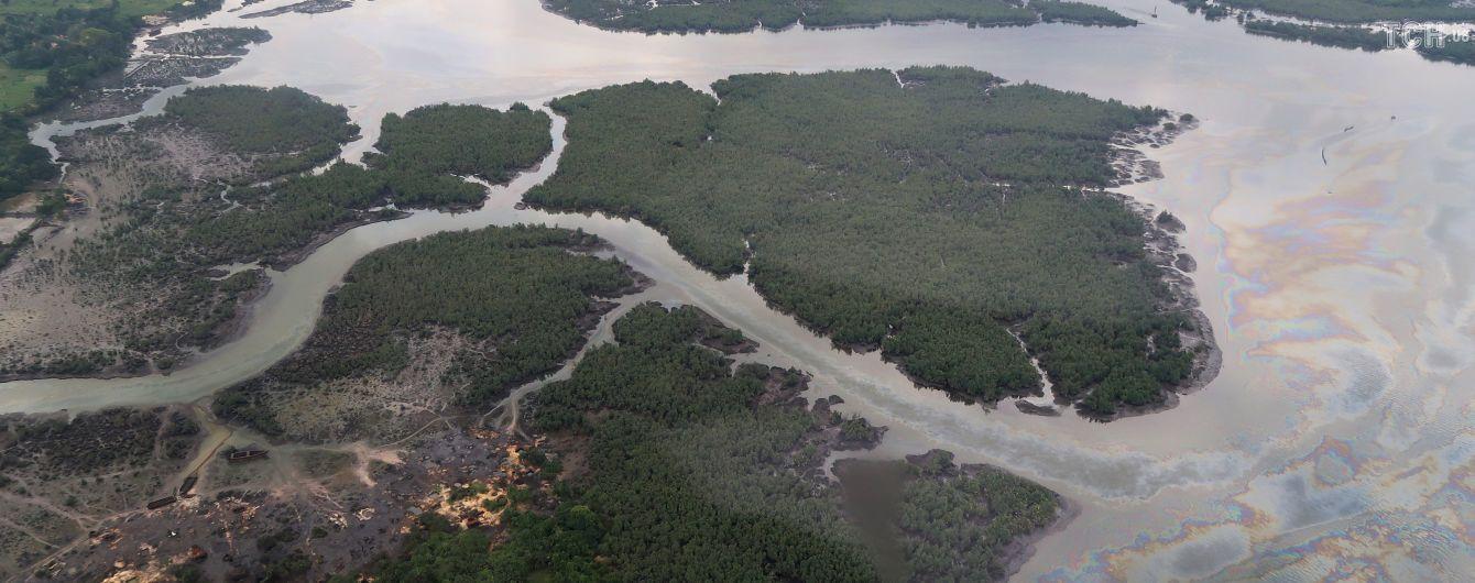 У Нігерії пірати взяли в заручники 12 людей зі швейцарського судна