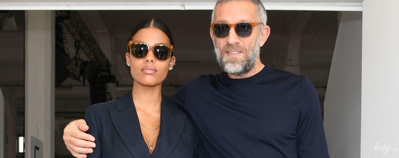 Светский выход супругов: стильные Кассель и Кунаки на модном показе в Милане
