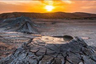 В Баку произошло извержение грязевого вулкана