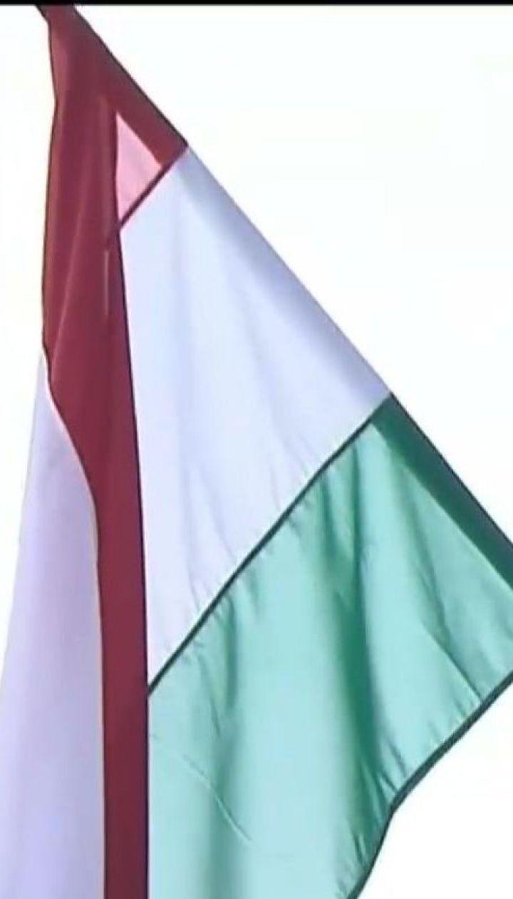 Выдача паспортов Венгрии гражданам Украины привела к новому скандалу между странами