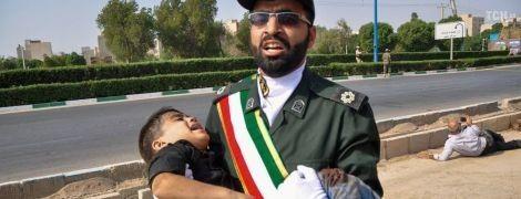 Кровавая бойня: президент Ирана обвинил союзников США втеракте навоенном параде