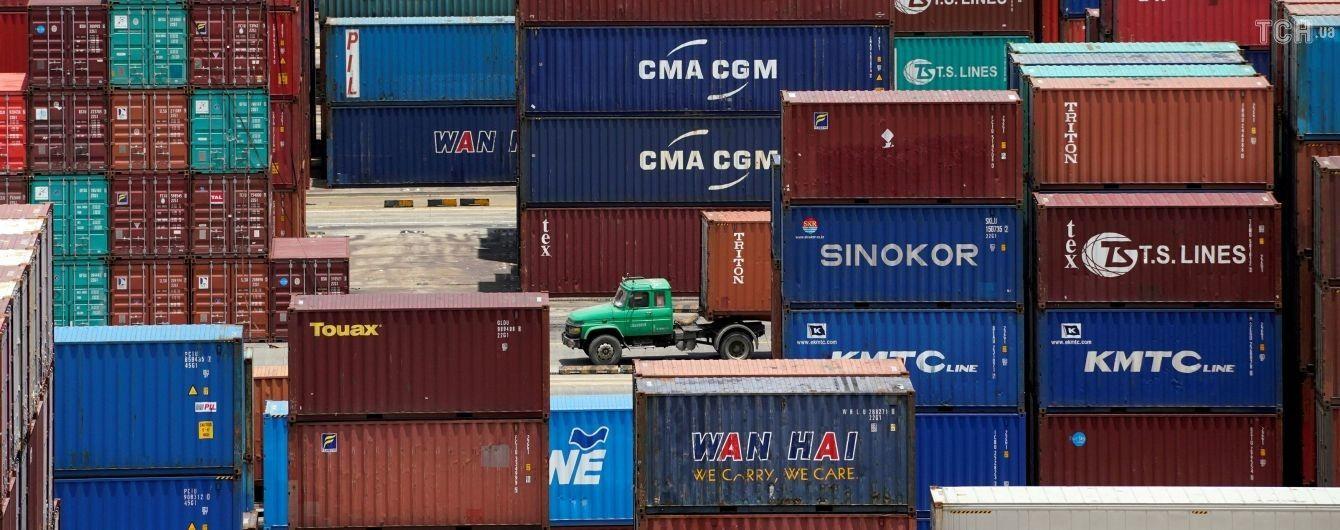 Украина стала больше покупать товаров за границей, чем продавать туда