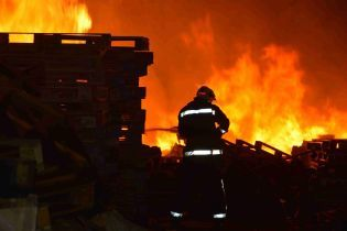 На Чернігівщині згорів будинок вагітної жінки з дітьми