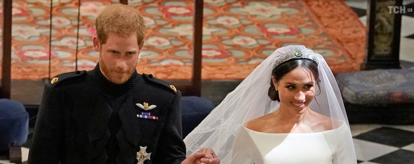 С мужем и в кругу семьи: опубликованы первые свадебные снимки принца Гарри и Меган