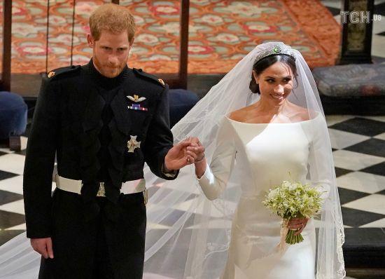 Дружина принца Гаррі Меган розповіла, що приховала у своїй весільній сукні