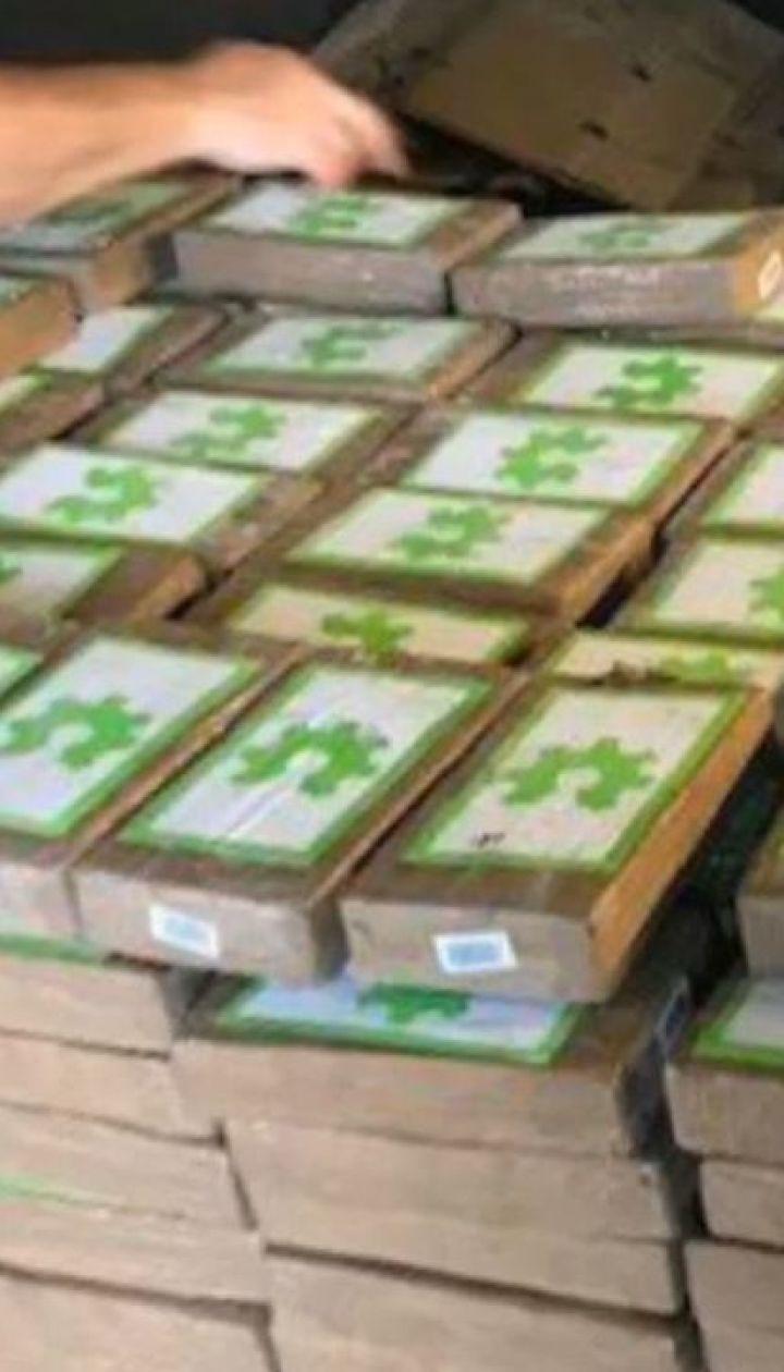 Наркотики в бананах. Правоохранители обнаружили кокаина на 18 миллионов долларов в ящиках с фруктами