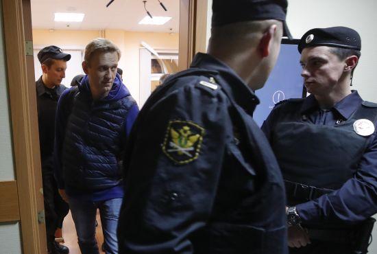 Російського опозиціонера Навального в день звільнення заарештували на 20 діб