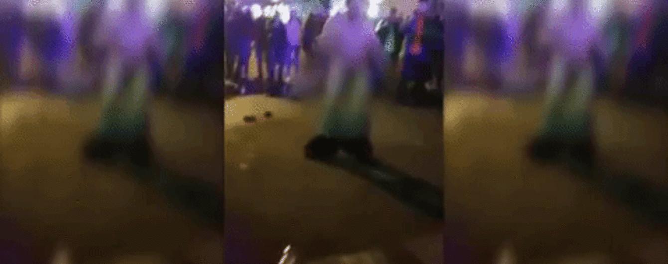"""В Дніпрі після концерту """"Время и Стекло"""" голий чоловік влаштував """"дикі танці"""" на вулиці"""