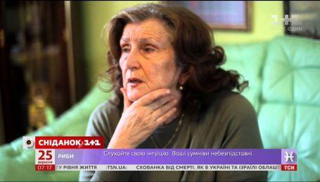Мати Кузьми Скрябіна поскаржилася на безсоромне використання портретів сина для реклами