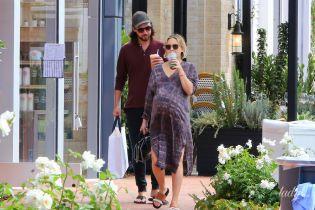 Час до пологового будинку: Кейт Хадсон гуляє по Лос-Анджелесу з величезним животом