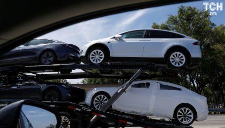 Tesla вынуждена начать производство автовозов