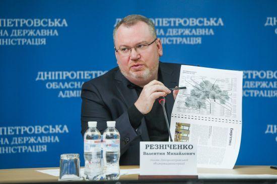 Валентин Резніченко: На дорогах Дніпропетровської області будуються вагові майданчики