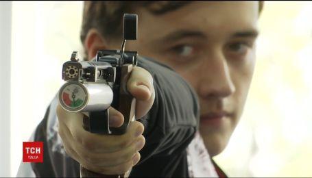 Во Львове чемпион мира по пулевой стрельбе помог полицейским поймать нарушителя