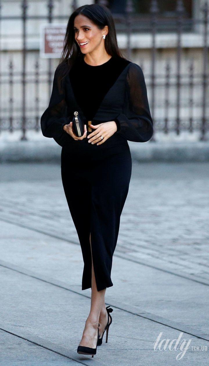 Выглядит безупречно: герцогиня Сассекская Меган в платье Givenchy приехала в Королевскую академию