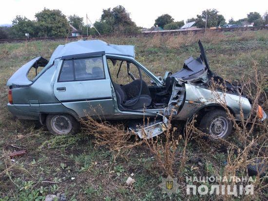 Смертельна ДТП на Миколаївщині: потяг протаранив автівку на залізничному переїзді