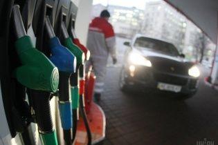 Ряд украинских АЗС подняли стоимость бензина и дизельного топлива