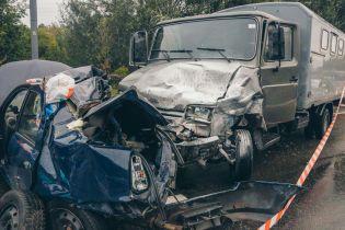 В Киеве такси столкнулось с грузовиком, погиб полицейский полка особого назначения