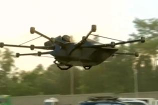 На Філіппінах винахідник створив дрон-авто, щоб уникати заторів