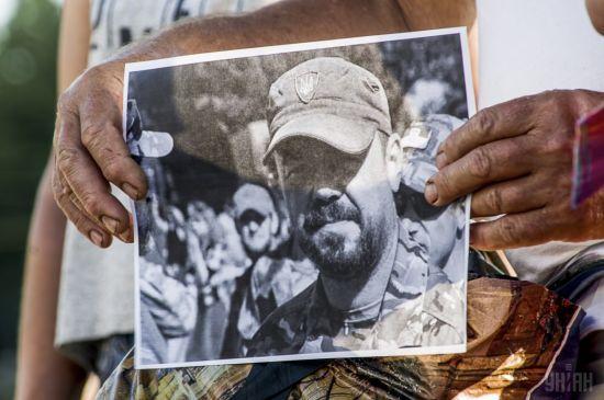 """Суд відпустив з-під варти підозрюваного в організації вбивства ветерана АТО """"Сармата"""" – журналістка"""