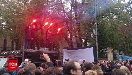 """В центре Киева началась акция """"Ночь на Банковой"""""""