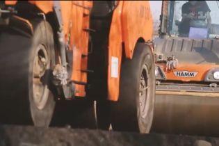 СБУ обыскивает фирмы, которые строят дороги в Западной Украине