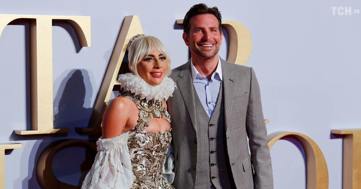 Розкішна Леді Гага у барочній сукні зацілувала Бредлі Купера (1.01 13) 8521e6adb514c