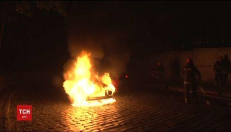 У Львові на ходу загорілося таксі