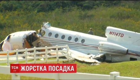 В США разбился небольшой реактивный самолет во время посадки