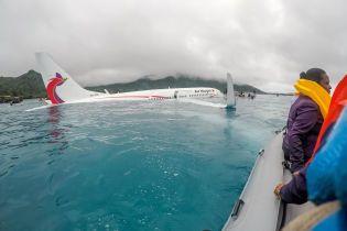 После падения самолета в океан в Микронезии один человек пропал без вести